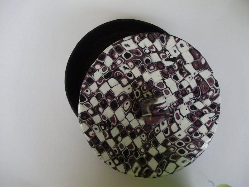 box black white 001