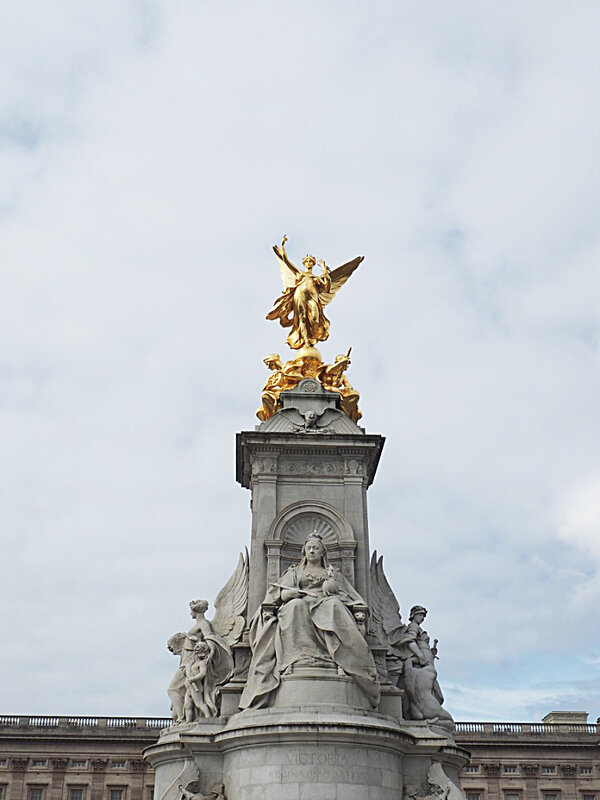 3-buckingham-palace-london-londres-city-guide-ma-rue-bric-a-brac