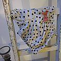 Culotte en coton beige clair à pois vert-noir et noeud contrasté - taille S (1)