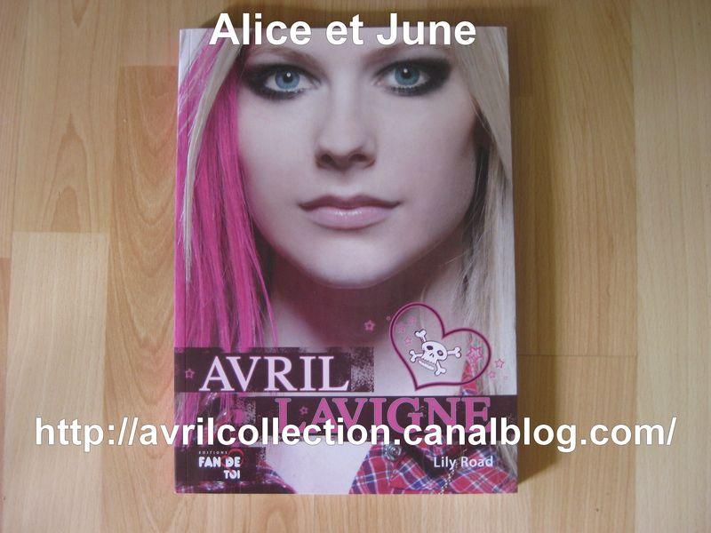 Livre Avril Lavigne-Lily Road (2008)