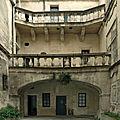 Barreme Manville cour hôtel Arles