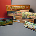 Une belle collection de plumiers anciens en bois et en carton bouilli ! charme et nostalgie au rendez-vous...