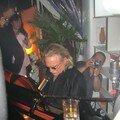 Le chanteur Cristophe au piano