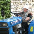 Sur le tracteur de Papi