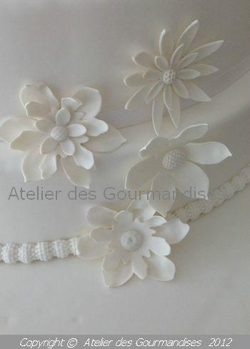 atelier des gourmandises wedding cake fleurs blanche details 1