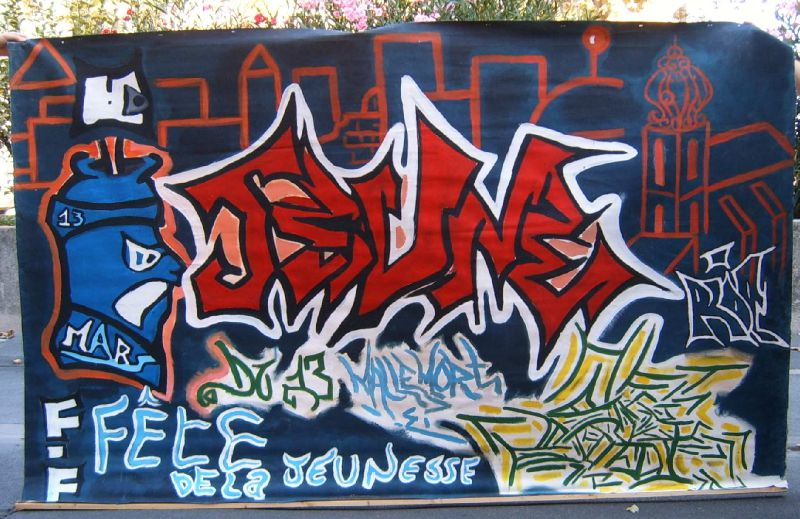 Bâche peinte Espace Jeunes Mallemort 2006 - Décor graph - Peinture acrylique - Animation jeunesse