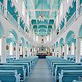 .. du bleu même dans une église ... je n'en demandais pas tant!!
