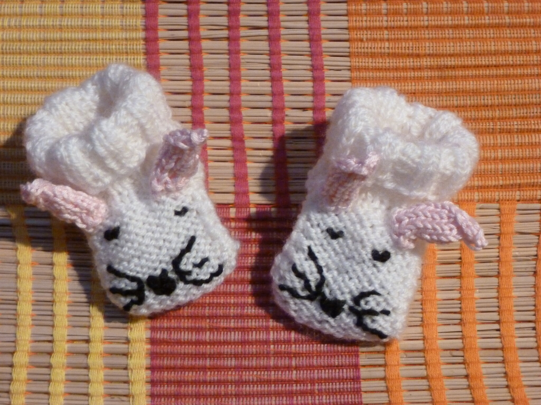 02 chaussons souris