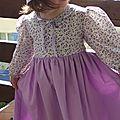 Robe simplicity 7112 3ans fleurs violettes 005