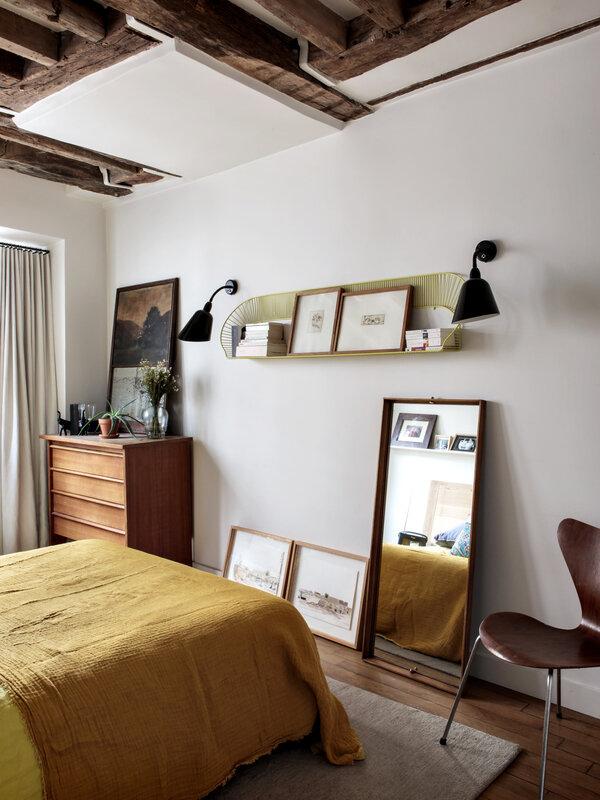 camille-hermand-bedroom-le-marais-paris-hervier-goluza-photo-13-1466x1955