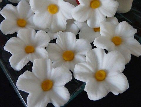 petites fleurs en sucre atelier des gourmandises. Black Bedroom Furniture Sets. Home Design Ideas