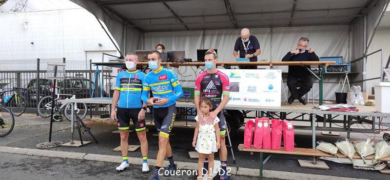 podium d1 d2 (1) (Copier)
