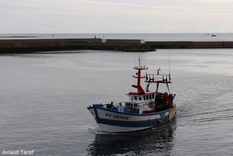 00933 Pouldreuzic - Pays Bigouden Sud - Retour des bateaux de pêche au Guilvinec blog