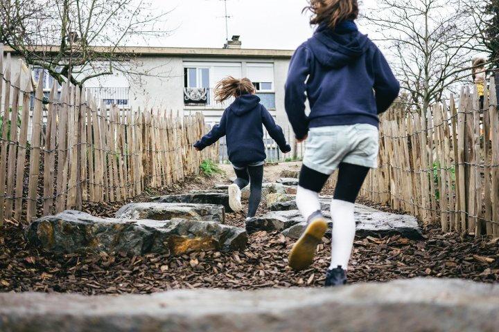 Adieu bitume, vive les cours d'école végétalisées (Reportage à Rennes)