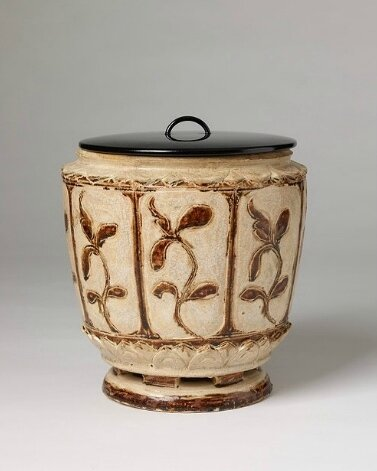 Thanh Hoa Brown and White Jar with Lacquer Lid, Vietnam