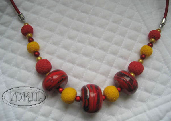 COLLIER ROUGE 1