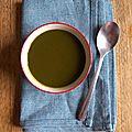 Soupe d'épinards aux fines herbes
