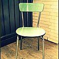 Une chaise vintage à fleurs....