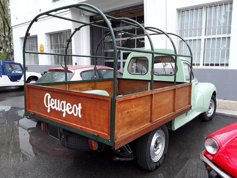 PEUGEOT 203 camionnette bâchable Saint Andiol (2)