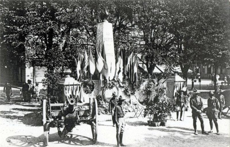 1919 08 15 Belfort CPA Fêtes patriotiques Place d'Armes Scouts