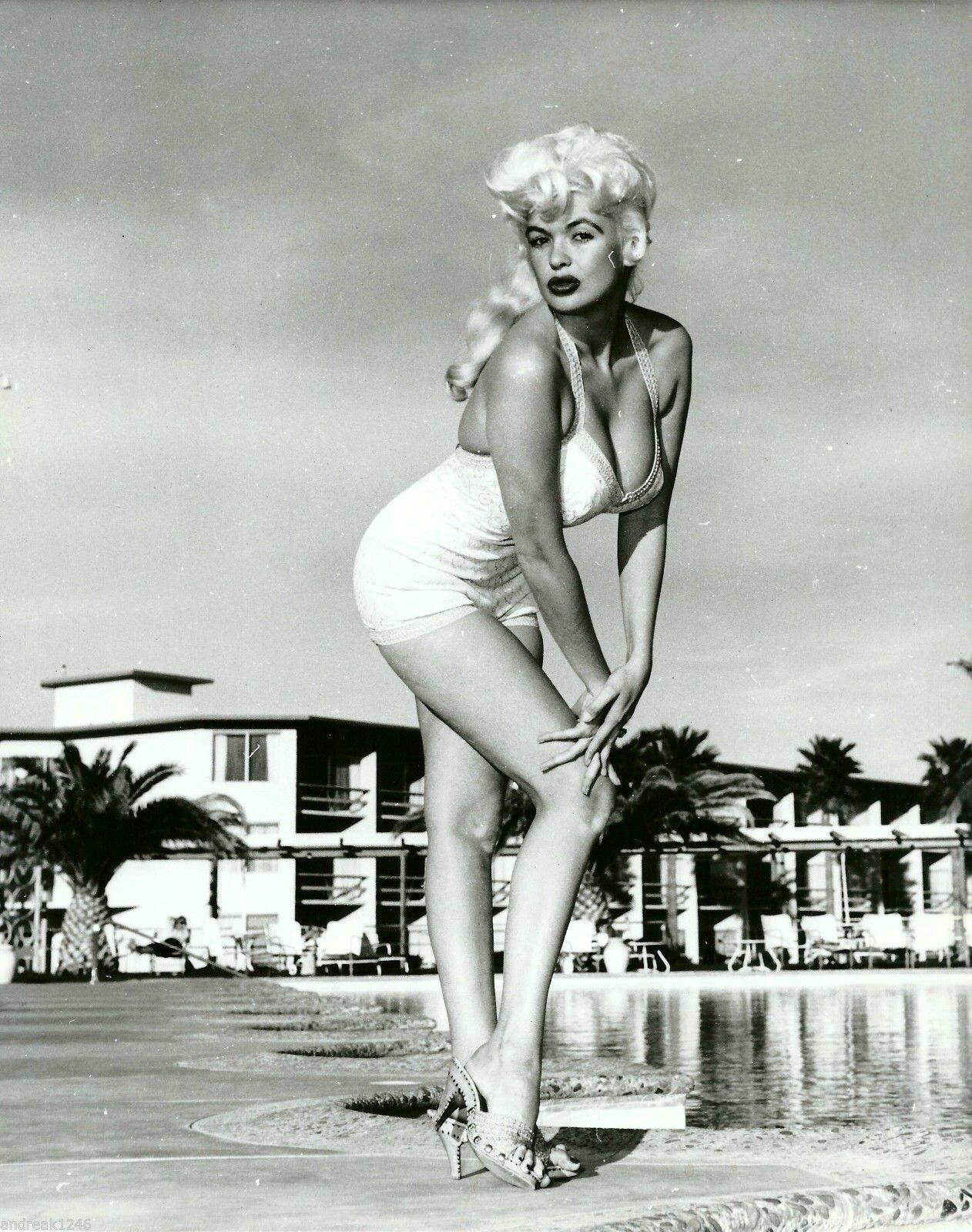 jayne_swimsuit_white-1958-02-las_vegas-tropicana_casino-1-2