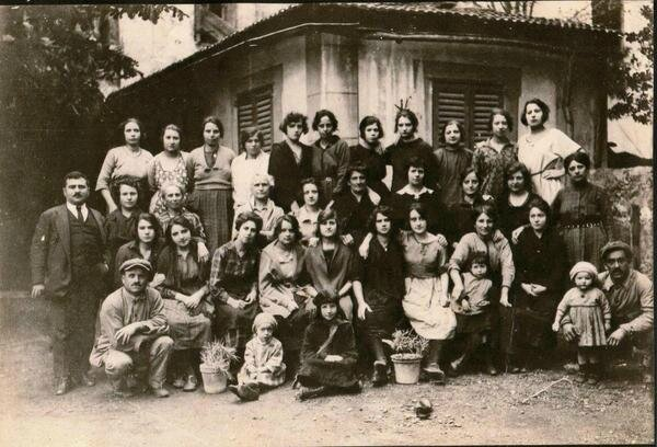 Filature-de-soie-dans-les-annees-1920