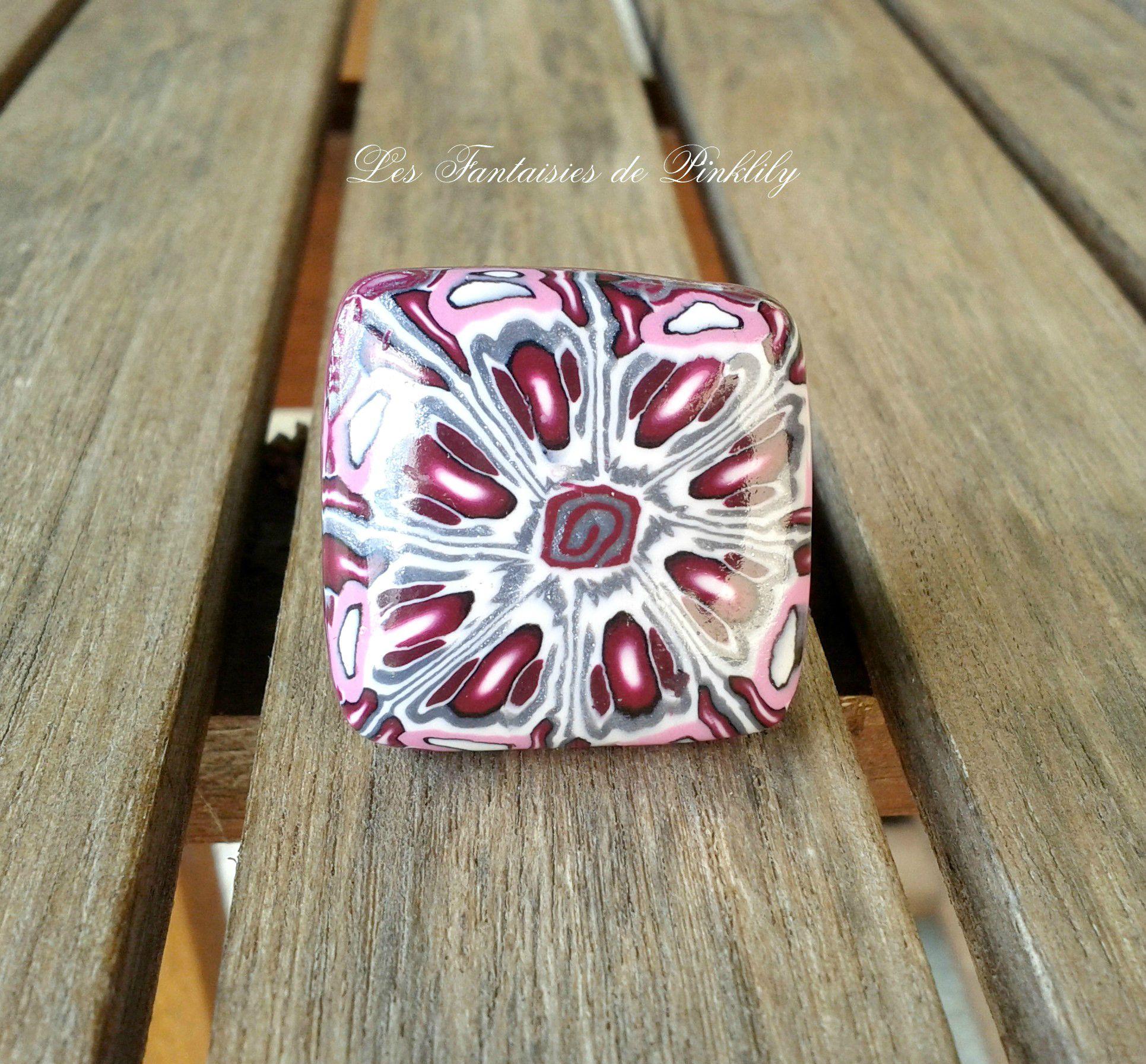 Vitrail rose, bague 8€