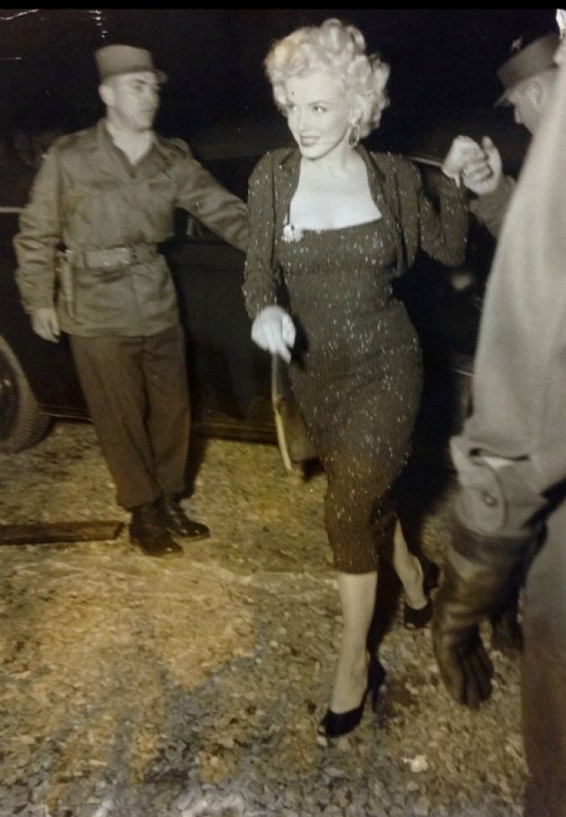 1954-02-16-5_on_7th_infantery_division-stage-010-1