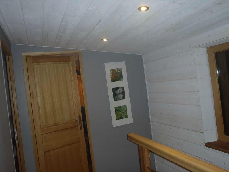 lambris escalier plafond couloir maison bois d 39 annick et michel. Black Bedroom Furniture Sets. Home Design Ideas