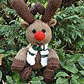 Un renne au tricot
