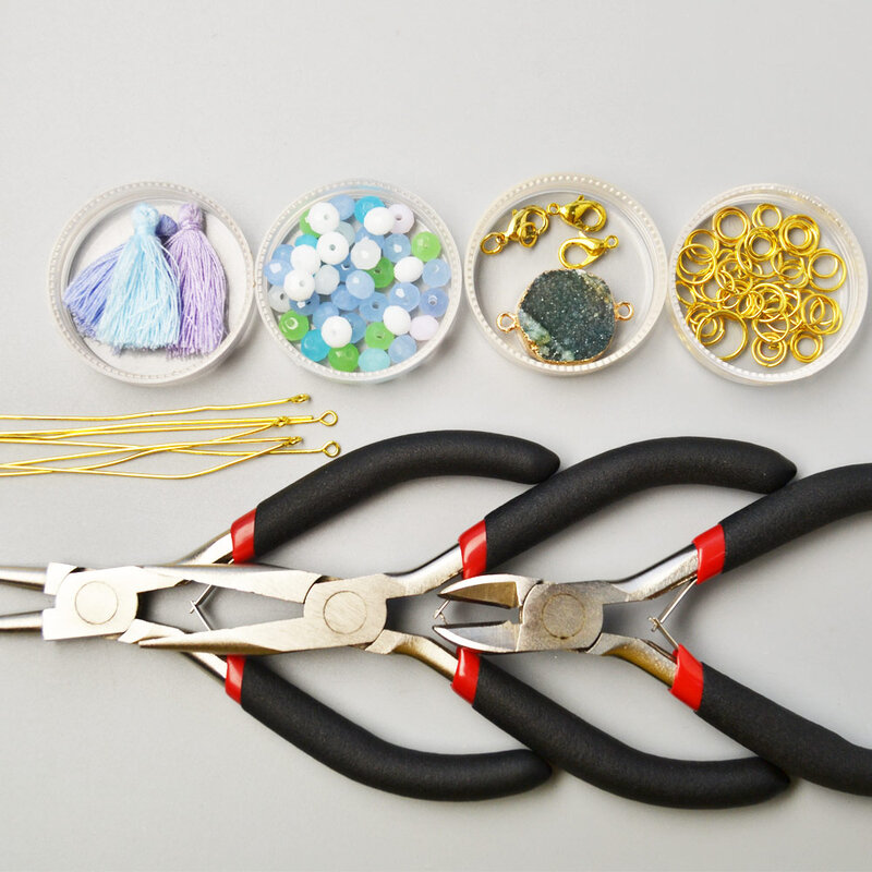 PandaHall-Easy-Tutorial-on-White-Glass-Beads-Bracelet-with-Drusy-Agate-1