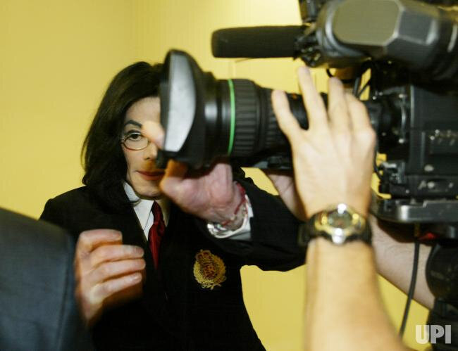 MICHAEL-JACKSON-ARRAIGNED