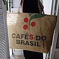 Sac de plage,grand tote bag, ou sac à provisions - toile de sac à café do brasil recyclé, intérieur imperméable - modèle unique