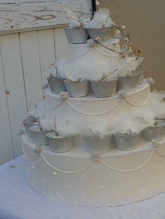 Gâteau présentoir à dragées garni
