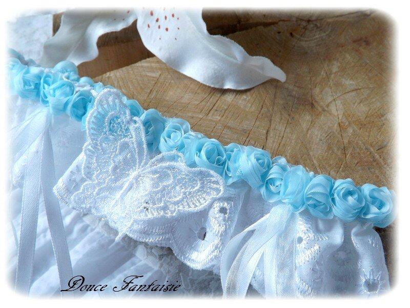 Papillon blanc bleu