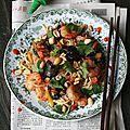 Wok de crevettes, légumes et nouilles