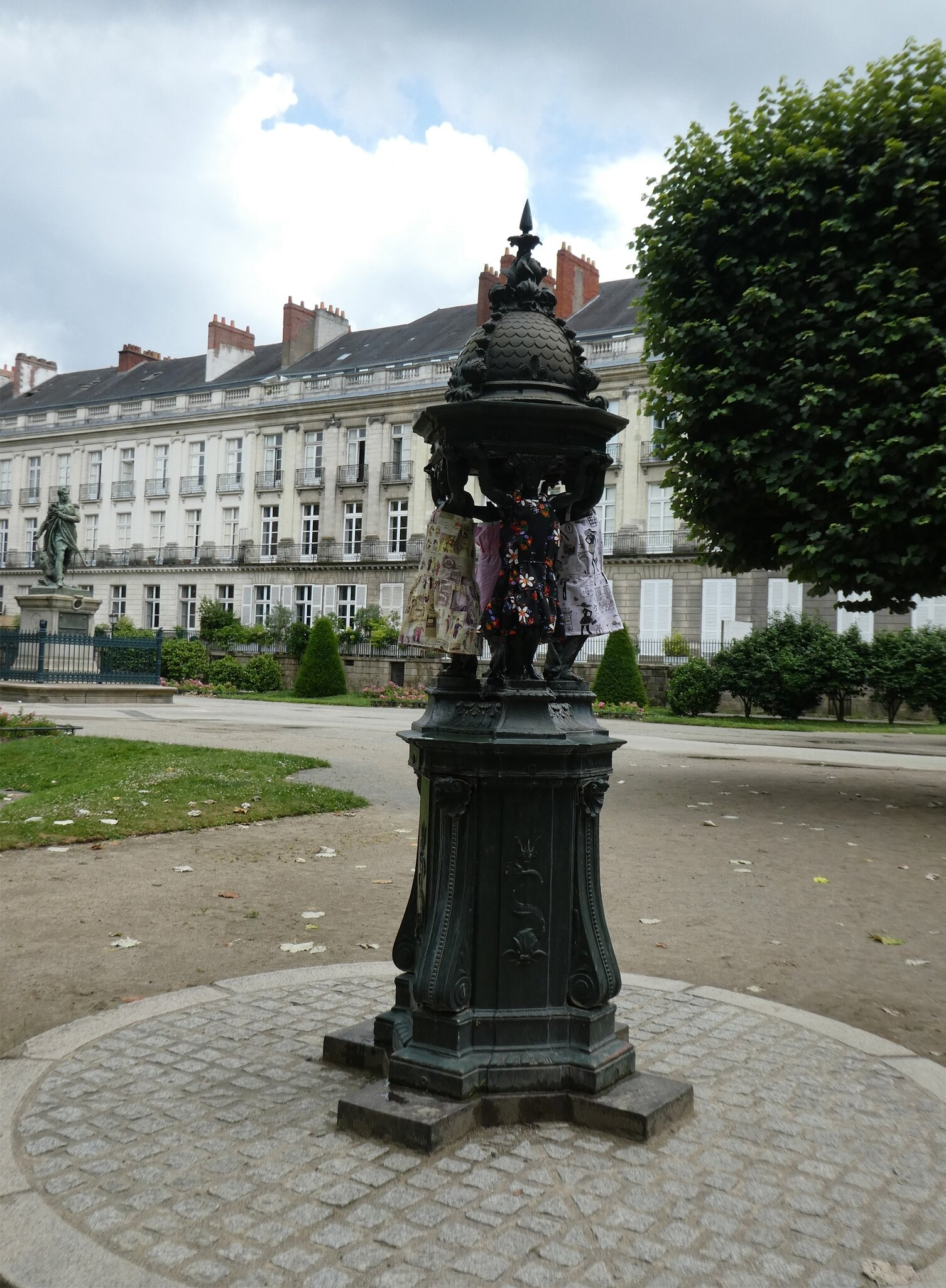 Fontaine Cambronne2