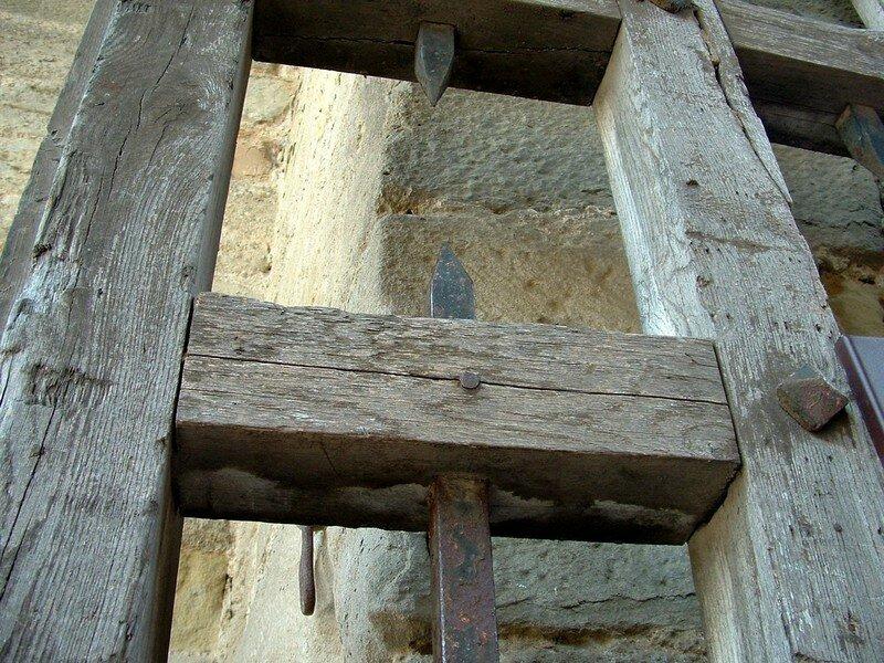 017 Porte du château - détail