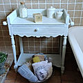 Ancienne table de toilette/coiffeuse patiné en blanc