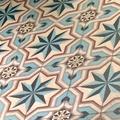 68-zoom-carreaux-ciment-bordeaux