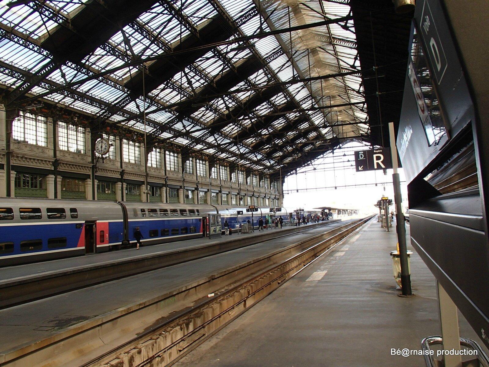 Hall de gare (Paris, juin 2013)