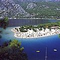 -الغور الازرق في اولدونيز بتركياBlue Lagoon - Oldeniz Beach بتركيا