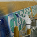 media_object_image_lowres_Singapore_A380_being_painted_mr