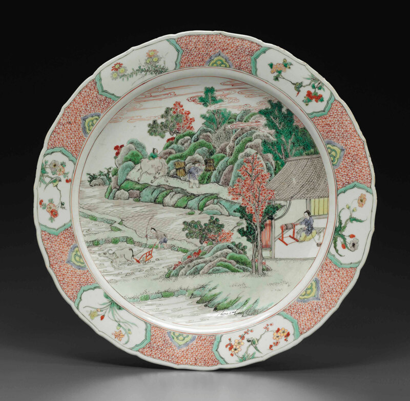 A finely decoratedfamille vertecharger, Kangxi period (1662-1722)