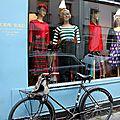Vélo, vitrine, mannequin_7813