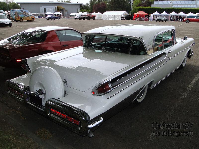 Mercury Turnpike Cruiser hardtop coupe-1957-02