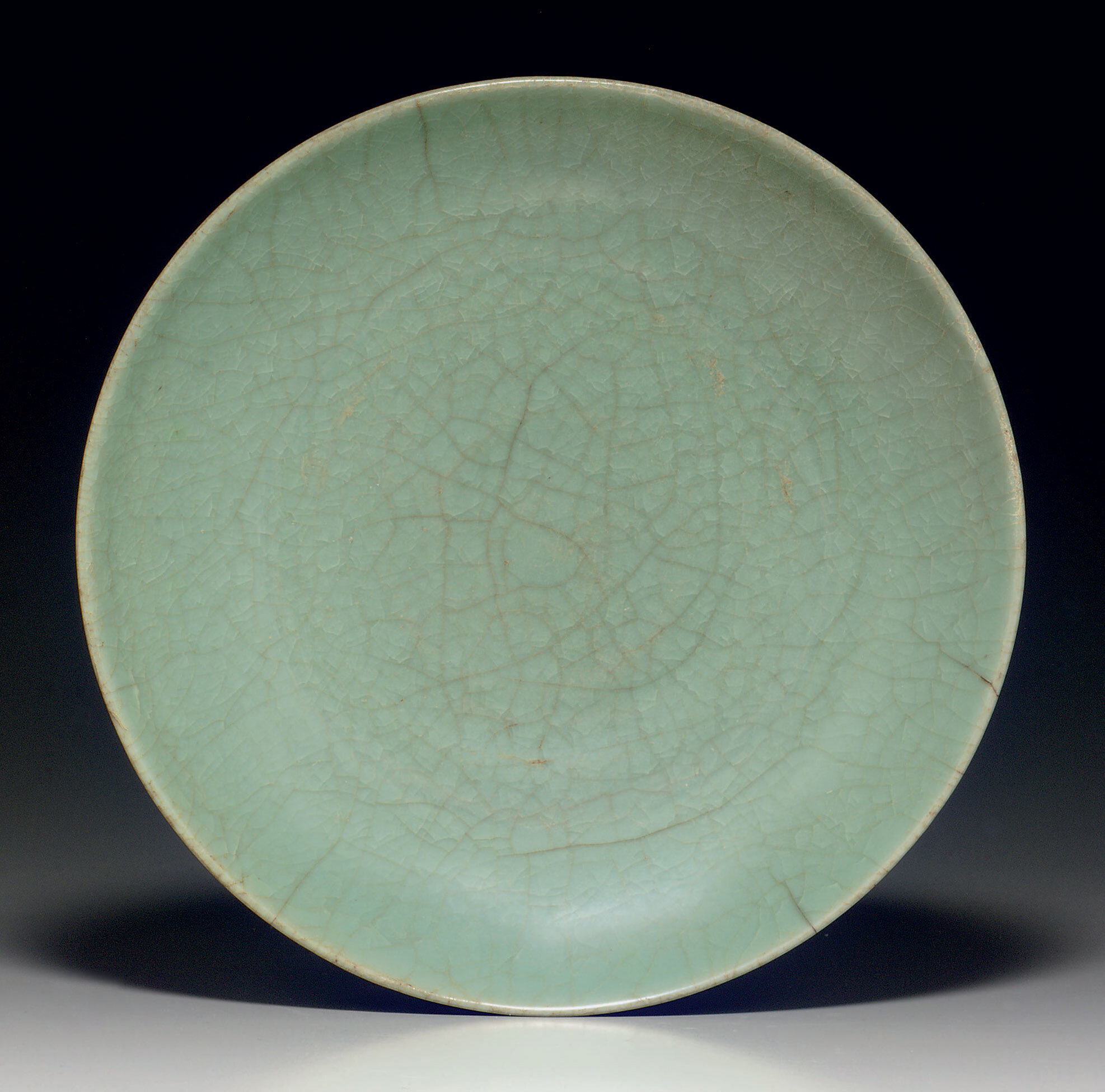 A rare Longquan guan-type shallow dish, Song-Yuan dynasty, 13th-14th century