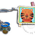 Attache tetine mini doudou plat tigre