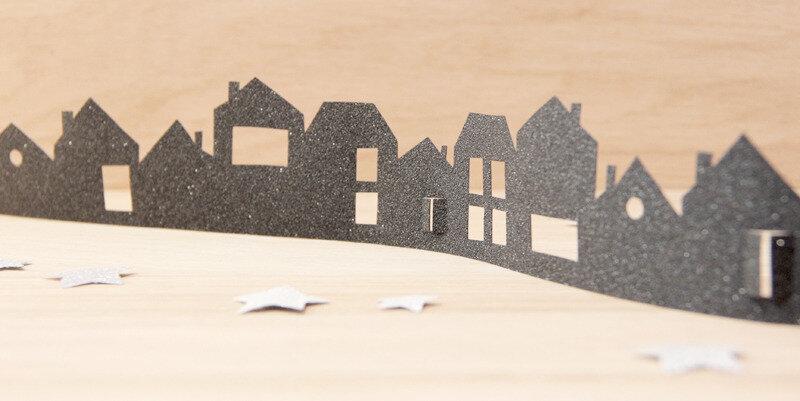 decoration-vitre-miroir-silhouette-maison-papier-paillettes