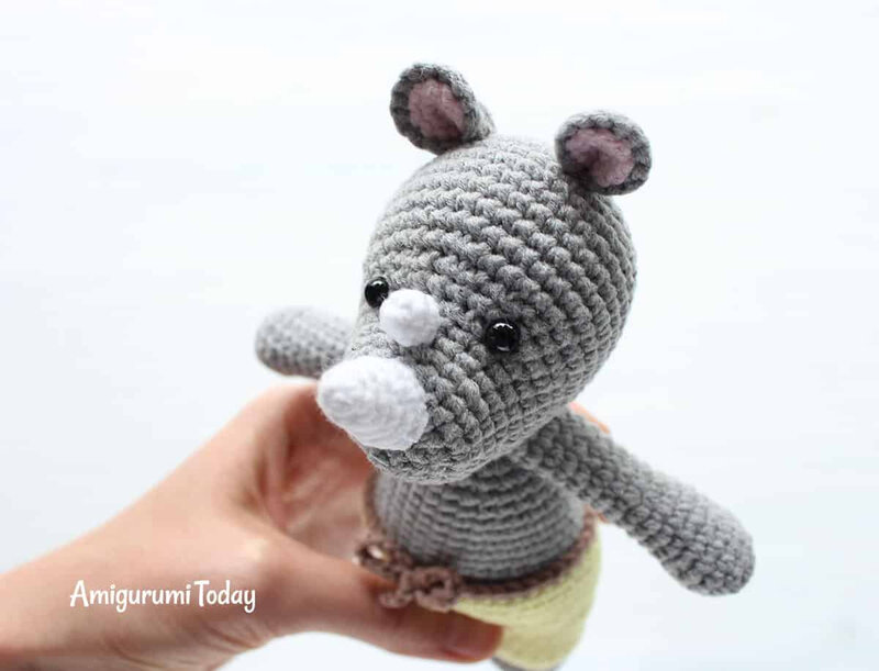 Cuddle-Me-Rhino-amigurumi-pattern-by-Amigurumi-Today